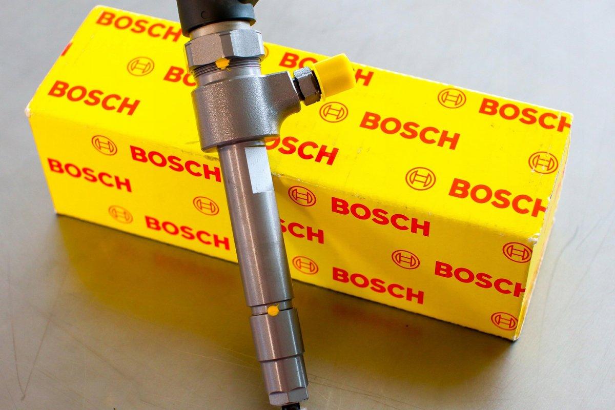 Wtryskiwacz Bosch naprawiony przygotowany do nadania do kupującego na gwarancji na okres 2 lat w atrakcyjnej cenie