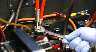 Jak sprawdzić ciśnienie pompy wtryskowej?